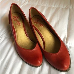 Rusted red, leather Seychelles heels
